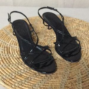 Pretty Talbots black strappy sandals size 9
